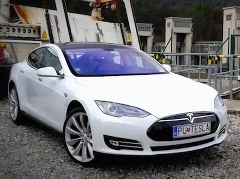 Video test Tesla Model S P85+