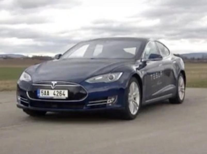 Video test Tesla Model S 85D