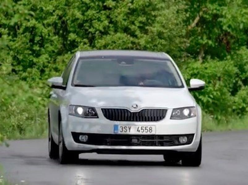 Video test Skoda Octavia 1,0 TSI vs Skoda 1000 MB
