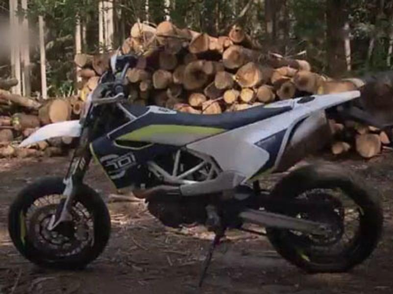 Video test Husquarna 701 Supermoto