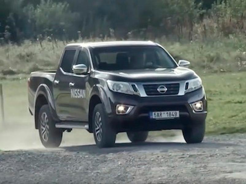 Video test Toyota Hilux vs Nissan Navara