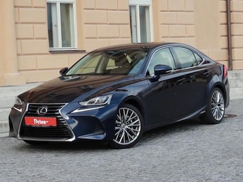 Video test Lexus IS 300h