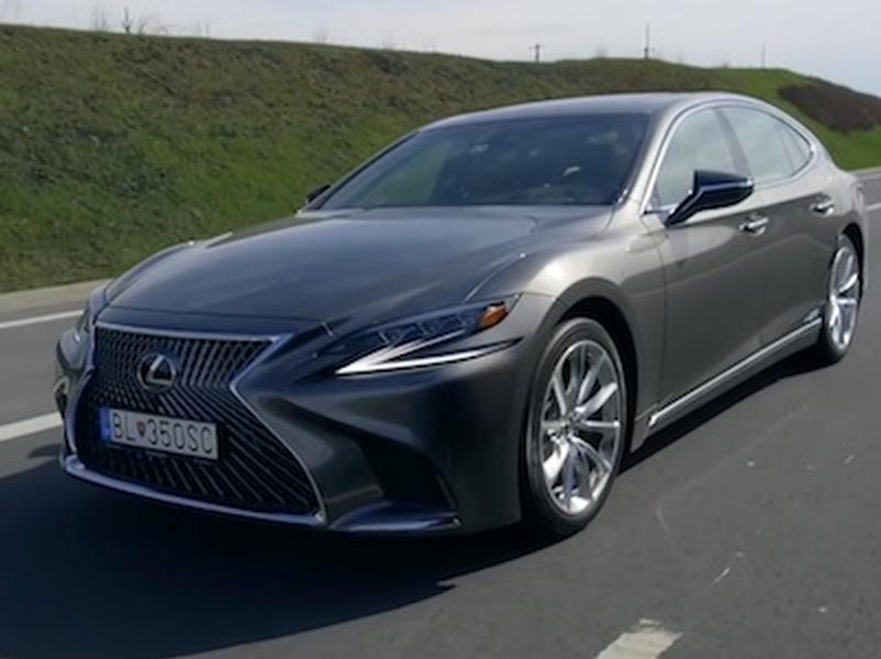 Video test LEXUS LS 500h vs LS 400 V8