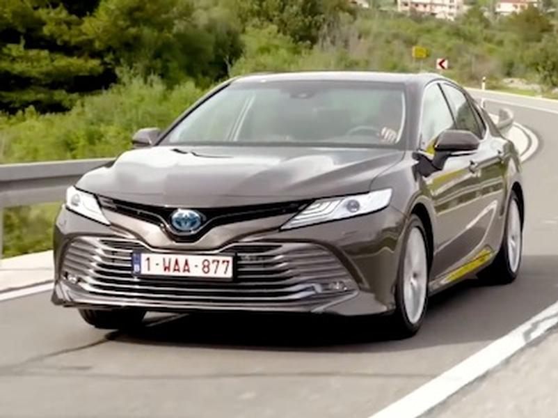 Video test Toyota Camry hybrid