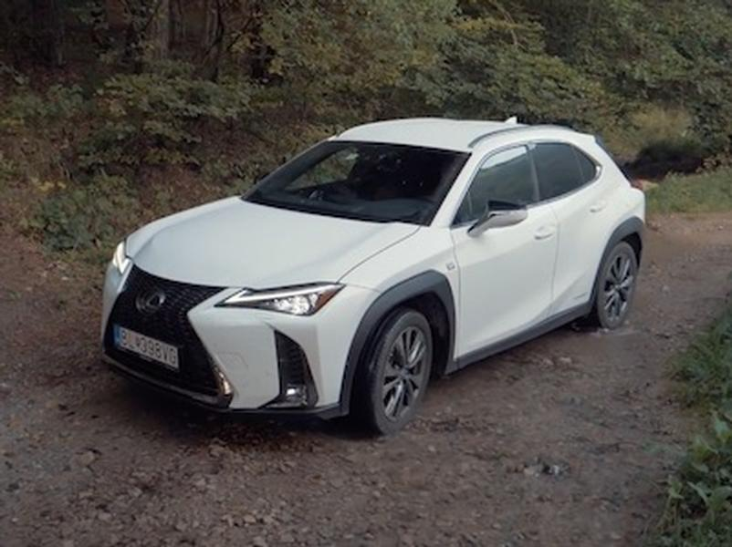 Video test Lexus UX 250h AWD