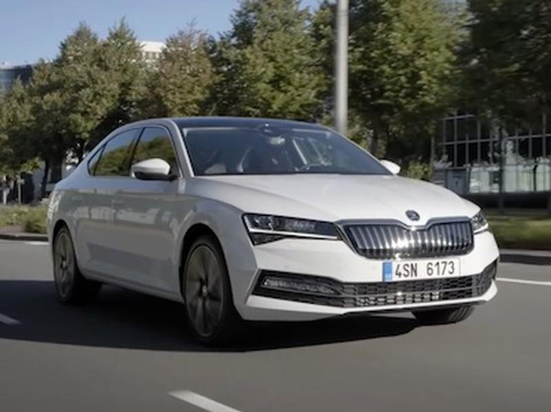 Video test Škoda Superb iV