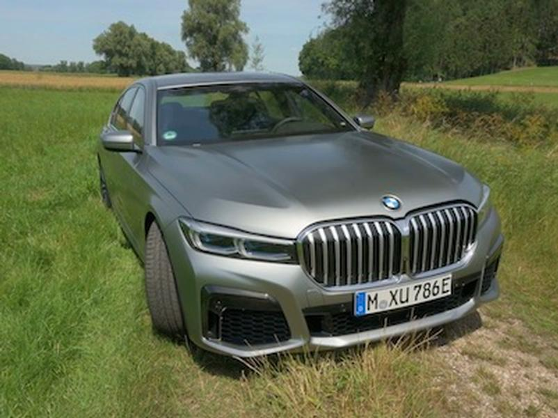 Video test BMW 745e