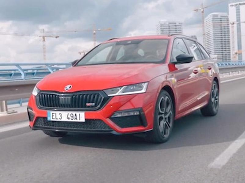Video test Škoda Octavia Combi RS iV