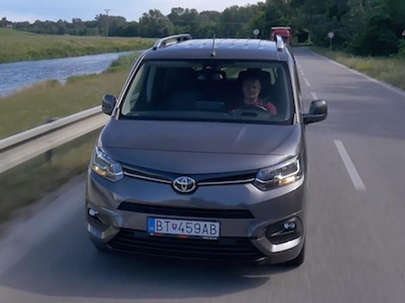 Video test Toyota Proace City Verso Family Long